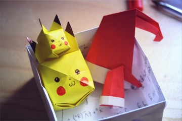 Christmas dress your pikachu set, origami pikachus and santa hats