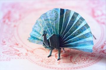 emperor, blue origami peacock, designed by Akira Yoshizawa