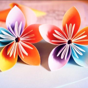 twins, modular origami kusudama flowers