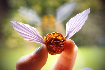 golden snitch, origami snitch (from Harry Potter), designed by Kade Chan