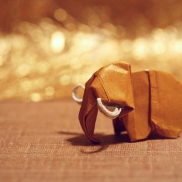 nowy, miniature origami mammoth, designed by Makoto Yamaguchi