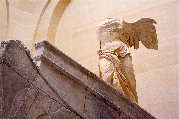 statue of winged victory of samothrace in the louvre museum, paris