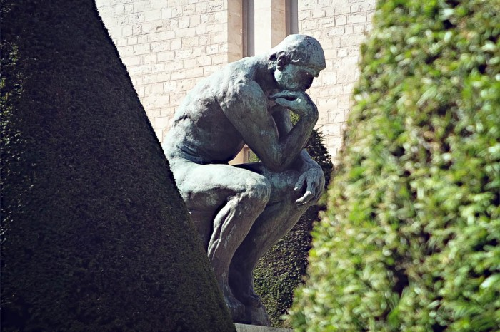 sculpture of the thinker by rodin, paris