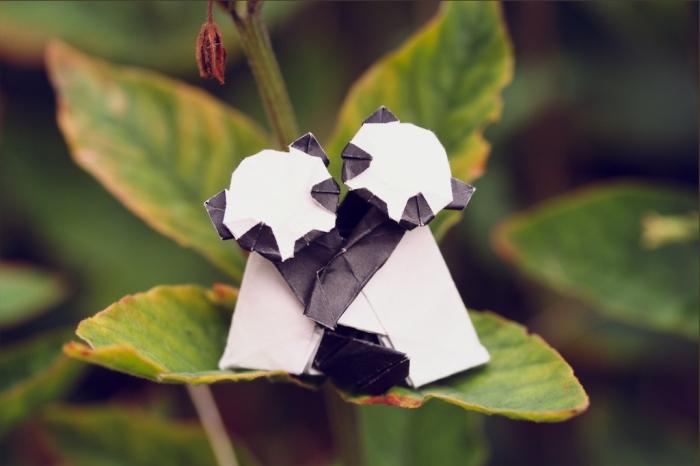 panda affection, origami panda pair, designed by Yamada Katsuhisa